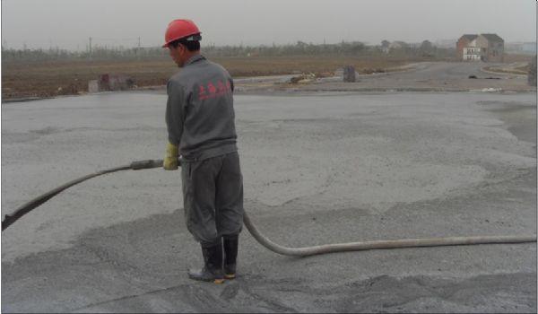 南昌金砼公司泡沫混凝土施工中